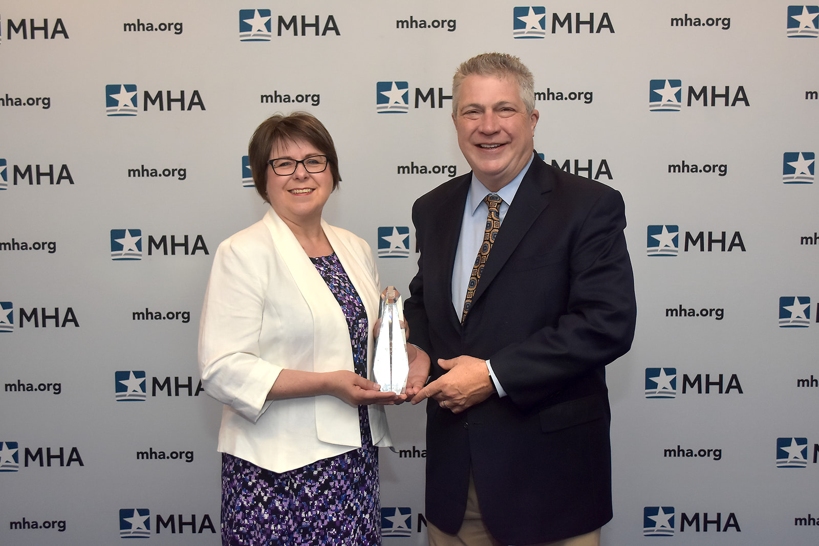Michaeline Raczka, RD, Director of Community Health, St. Mary Mercy Livonia, and David Spivey, President and CEO, St. Mary Mercy Livonia, were presented with the 2019 Ludwig Community Benefit Award.